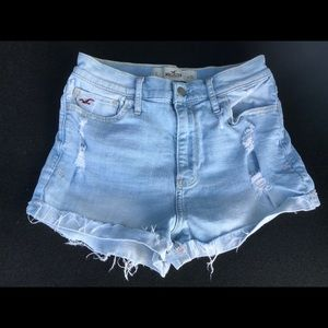 Hollister distressed short  shorts size 26